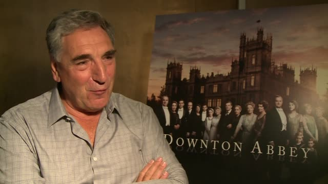 Downton Abbey series 6 launch Elizabeth McGovern speaking to press / Jim Carter interview SOT