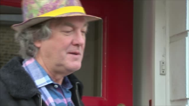 jeremy clarkson sacked by bbc; james may doorstep interview sot - it's a tragedy/ i'm sorry that what ought to have been a small incident sorted out... - ジェレミー クラークソン点の映像素材/bロール