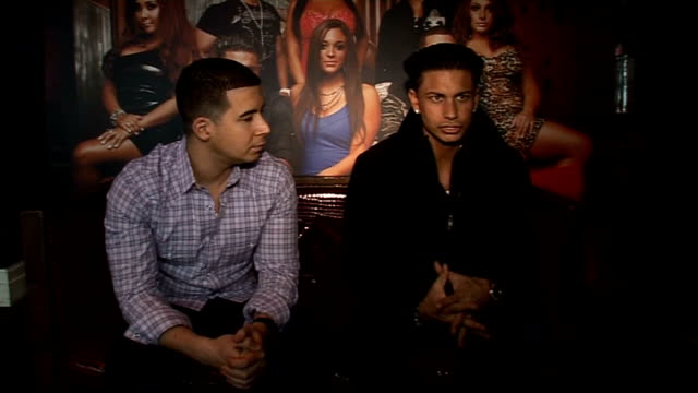 'jersey shore': pauly d and vinny interview; delvecchio and guadagnino interview continues sot - reality fernsehen stock-videos und b-roll-filmmaterial
