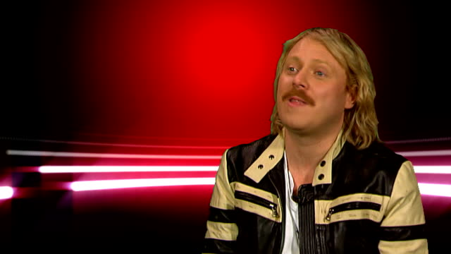 leigh francis interview; leigh francis interview continued sot - amazing freebies he's had - x factor - loved the girl who hit her friend - says they... - chemistry点の映像素材/bロール