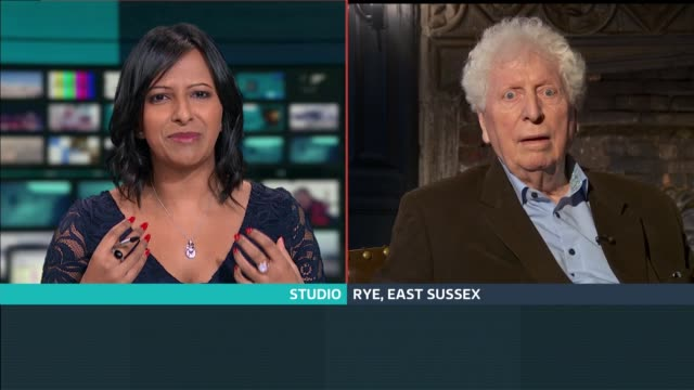 stockvideo's en b-roll-footage met 'lost' episode of dr who restored england london gir int tom baker 2 way interview from rye sot - tom baker english actor