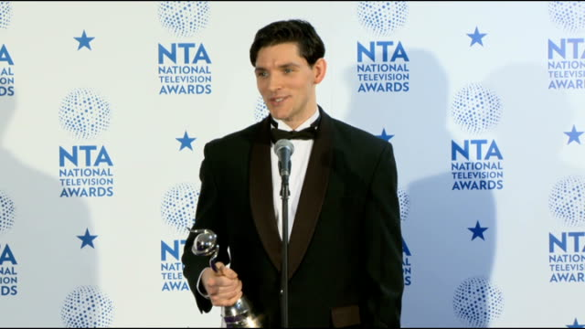 stockvideo's en b-roll-footage met national television awards colin morgan with darcey bussell photocall / colin morgan interview sot on winning best drama performance / phillip... - eamonn holmes