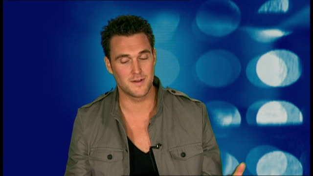 'the mentalist' actor owain yeoman interviewed; yeoman interview sot - incorporating his accent into show / who'd he most like to have do a cameo on... - cameo brooch stock videos & royalty-free footage