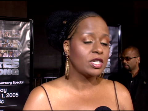 vidéos et rushes de tempest bledsoe on what bet represents to her, on the network achieving 25 years, on her first memories of donnie simpson's video show at the bet 25... - shrine auditorium