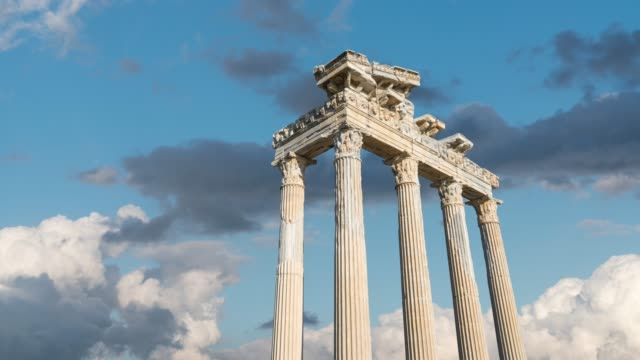temple of apollo. ancient ruins in side. turkey - colonna architettonica video stock e b–roll