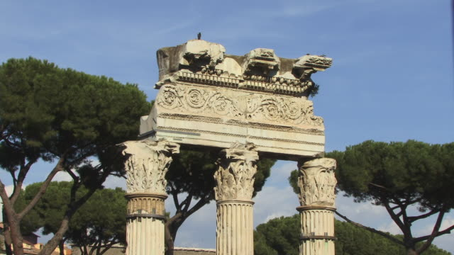 cu, zo, temple of castor and pollux, roman forum, rome, italy - architrav stock-videos und b-roll-filmmaterial