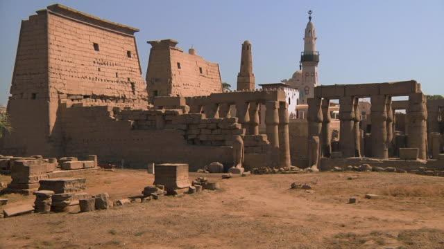 ws temple of karnak / cairo, egypt - temples of karnak stock videos & royalty-free footage