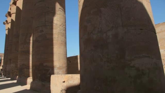 tempel von karnak in luxor, ägypten. - luxor stock-videos und b-roll-filmmaterial