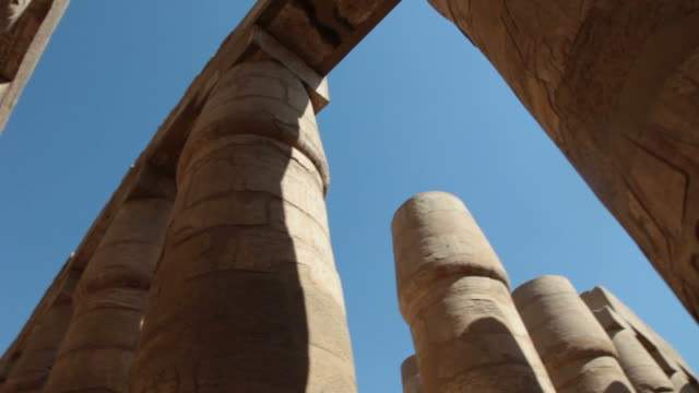 vídeos y material grabado en eventos de stock de templo de karnak - jeroglífico