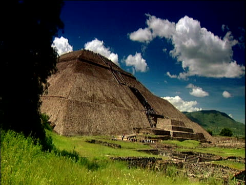 temple of the sun under blue sky teotihuacan - ancient stock videos & royalty-free footage