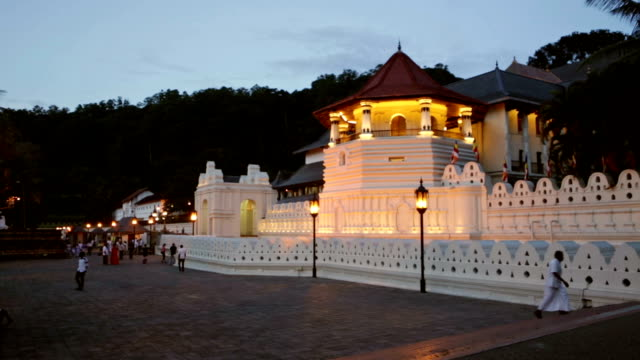 temple of the tooth, kandy, sri lanka - sri lankan culture stock videos & royalty-free footage