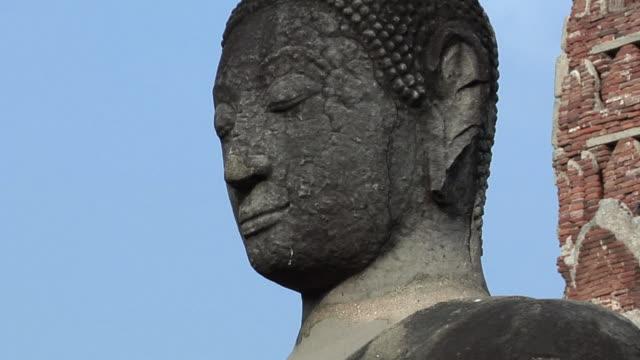 ms zo temple ruins of wat phra si sanphet / ayutthaya, thailand - アユタヤ県点の映像素材/bロール