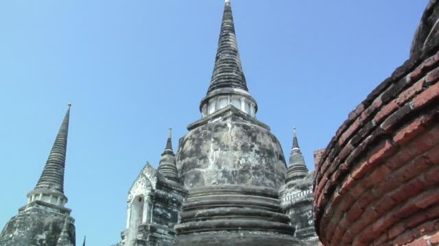 ms td temple ruins of wat phra si sanphet / ayutthaya, thailand - アユタヤ県点の映像素材/bロール