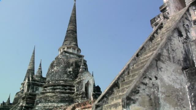 ms zi temple ruins of wat phra si sanphet / ayutthaya, thailand - アユタヤ県点の映像素材/bロール