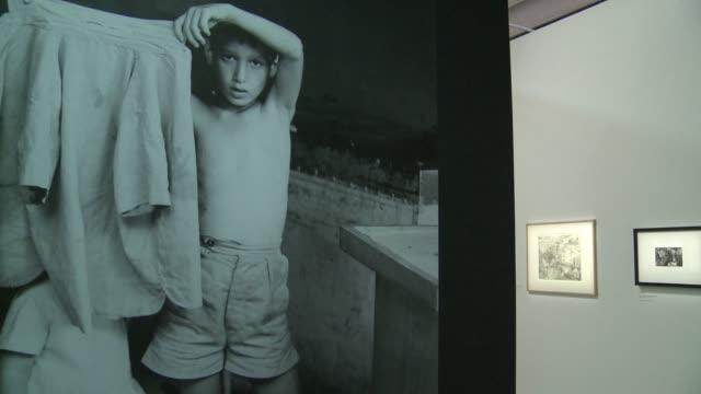 vídeos y material grabado en eventos de stock de ten years after the death of henri cartierbresson the pompidou museum in paris is opening a retrospective on this famous photographer's career during... - estilo siglo xx