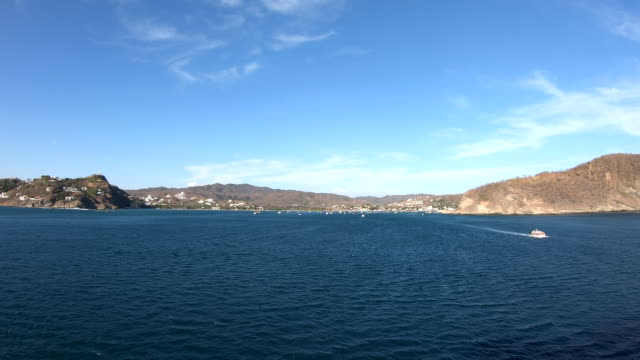 stockvideo's en b-roll-footage met tender boats-san juan del sur, nicaragua - nicaragua