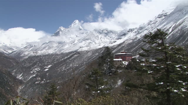 ws zi tengboche monastery located on mount ama dablam in khumbu valley / tengboche,  khumbu region, nepal - khumbu stock videos and b-roll footage