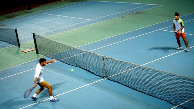vidéos et rushes de match de tennis - caresser