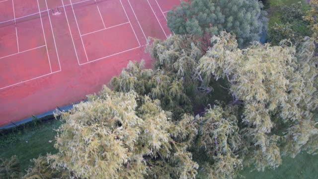 vídeos de stock e filmes b-roll de tennis - quadra desportiva