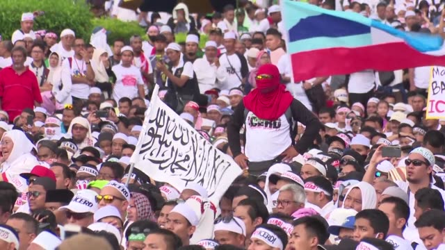 Tens of thousands of banner waving Muslims rally in the Malaysian capital to defend their long cherished privileges at a time of growing racial...