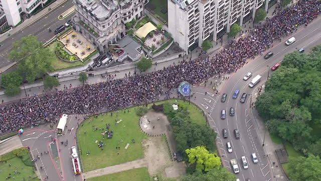 tens of thousands of people are expected to take part in a march from park lane to parliament in london to protest against the recent eu referendum... - europäische union stock-videos und b-roll-filmmaterial