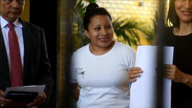 Teodora Vasquez la salvadorena que estaba en la carcel acusada de homicidio agravado tras sufrir un parto intempestivo en el que murio su bebe fue...