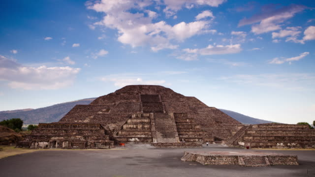 time lapse: teotihuacan, mexico - aztec stock videos & royalty-free footage