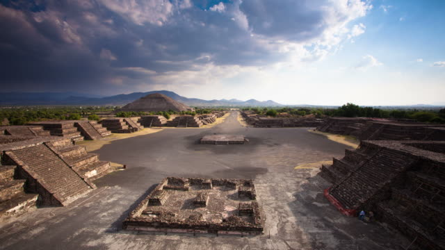 time lapse: teotihuacan ruins mexico - mayan stock videos & royalty-free footage