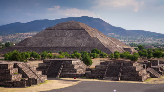 time lapse: teotihuacán mexico - pyramid stock videos and b-roll footage