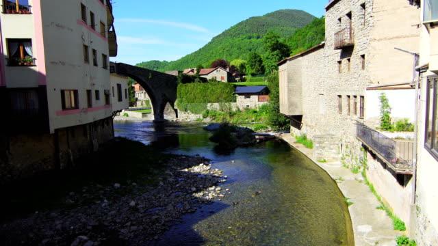 ter river in camprodon, gerona province. - puente stock videos & royalty-free footage
