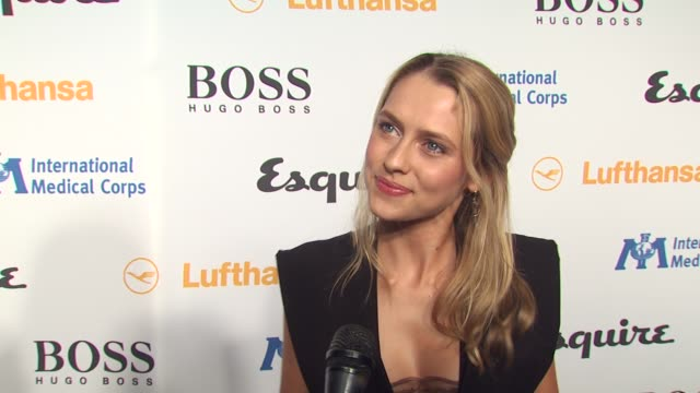 teresa palmer on tonight's event, on what she expects to see inside the esquire house, on what she's wearing, and on what every bachelor pad should... - 独身男性点の映像素材/bロール