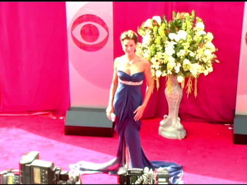 stockvideo's en b-roll-footage met teri hatcher at the 2005 emmy awards at the shrine auditorium in los angeles california on september 18 2005 - 2005