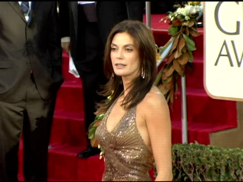 teri hatcher at the 2006 golden globe awards arrivals at the beverly hilton in beverly hills, california on january 16, 2006. - teri hatcher stock videos & royalty-free footage
