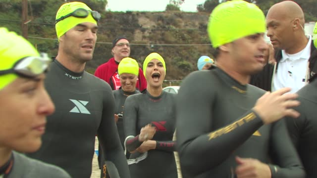teri hatcher at the 24th annual nautica malibu triathlon at malibu ca - nautica malibu triathlon stock videos & royalty-free footage