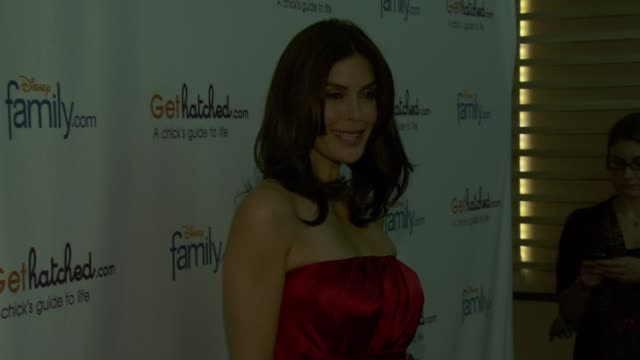 teri hatcher at the disney family.com & teri hatcher celebrate gethatched.com launch at new york ny. - teri hatcher stock videos & royalty-free footage