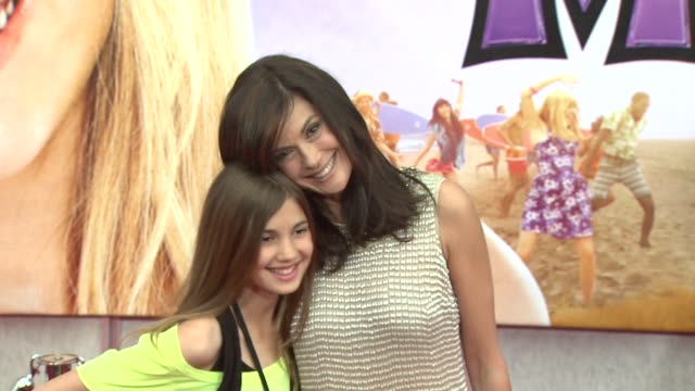 teri hatcher at the 'hannah montana the movie' premiere at hollywood ca. - teri hatcher stock videos & royalty-free footage
