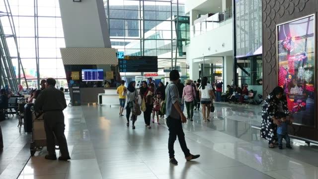 vidéos et rushes de terminal 3 soekarno hatta international airport - aéroport