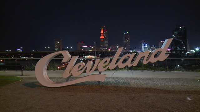 wjw terminal tower lit up in orange to celebrate cleveland brown's first win since 2016 on september 20 2018 - cleveland ohio stock videos & royalty-free footage
