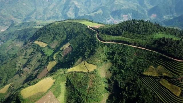 通常の東、南、農業、丘陵や山地の地形と東南アジアの棚田ファーム