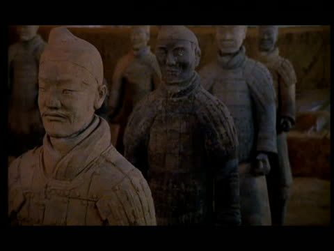 cu, pan, terracotta army, xi'an, shaanxi province, china - 紀元前3世紀点の映像素材/bロール