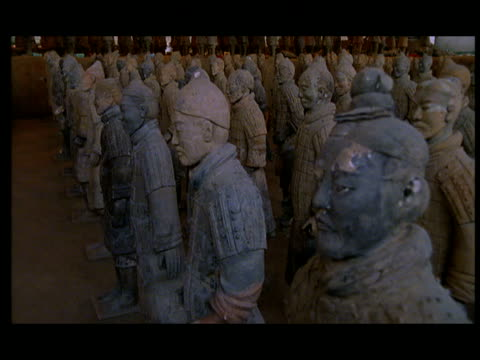 ms, pan, terracotta army, xi'an, shaanxi province, china - 紀元前3世紀点の映像素材/bロール