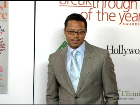 terrence howard at the hollywood life magazine's breakthrough of the year awards at the henry fonda theatre in hollywood california on december 4 2005 - terrence howard stock videos and b-roll footage