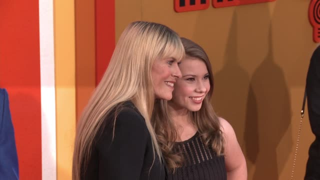 """terri irwin and bindi irwin at """"the nice guys"""" los angeles premiere at tcl chinese theatre on may 10, 2016 in hollywood, california. - terri irwin stock videos & royalty-free footage"""