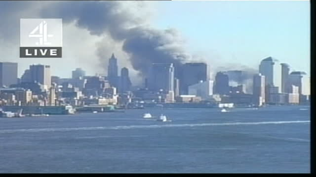terror attacks on new york and the pentagon: channel 4 news special: pab 21.00 - 22.00; u'lay ny covered in smoke, survivors channel 4 live on-screen... - raw footage stock videos & royalty-free footage