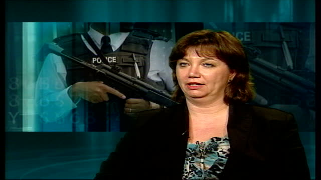 vidéos et rushes de terrorism; threat will last decades; london: int dr sandra bell interview sot - it's easy to shut out scale of problem we are facing and try not to... - casser les codes
