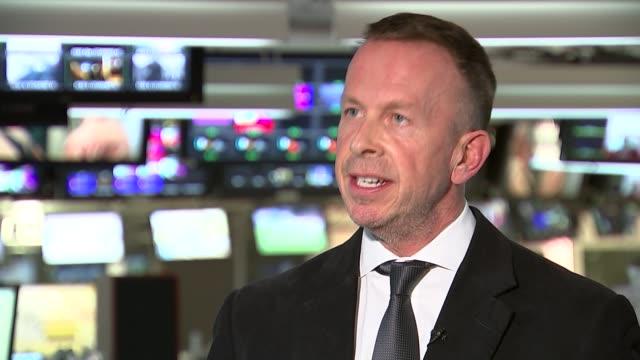 terrorist attack at tourist hotel in hurghada; england: london: int will geddes interview sot - hurghada stock-videos und b-roll-filmmaterial
