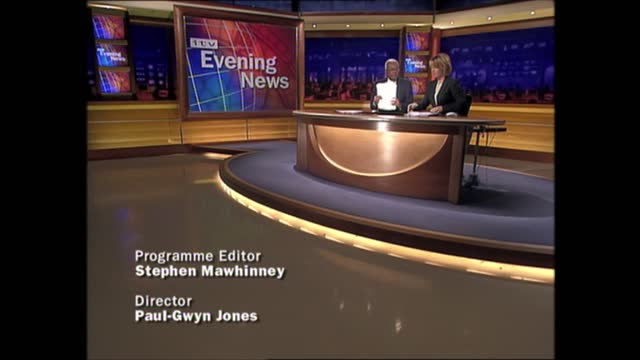evening news special: pab 18.00 - 18.57; england: london: gir: int trevor mcdonald and kirsty young live studio and sign off end of itv news special... - itv evening news stock videos & royalty-free footage