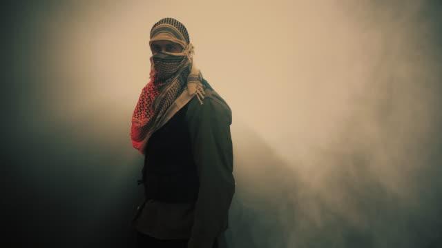 terrorist wirft eine granade. - chaos stock-videos und b-roll-filmmaterial