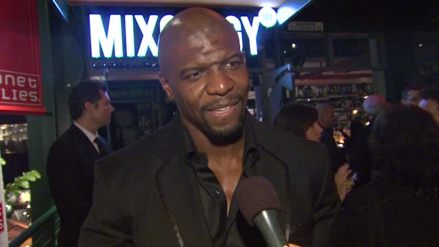 terry crews on arnold schwarzenegger and his book at arnold schwarzenegger celebrates the launch of his autobiography, total recall with a party at s... - biographie stock-videos und b-roll-filmmaterial