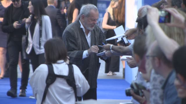 terry gilliam at 'the beatles: eight days a week: the touring years' - uk film premiere on september 15, 2016 in london, england. - terry gilliam stock-videos und b-roll-filmmaterial